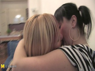 golden-haired housewife copulates her teeny