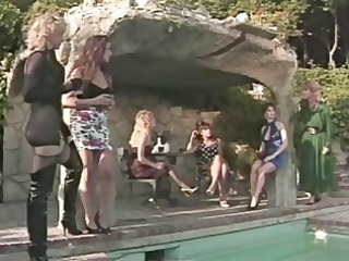 all ladies and all vintage in this lesbo vid no